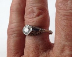 Diamond Ring Rescued from Toilet Sewer Manhole