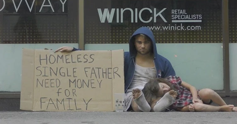 homless-dad-and-daughter