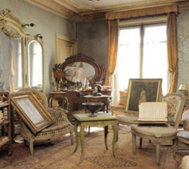 A Rich Woman Left This Paris Apartment In 1942. What They Found Inside Will Blow Your Mind.