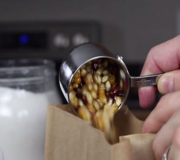 He Poured Popcorn Kernels Into A Paper Bag, When I Saw Why… Mind Was Blown