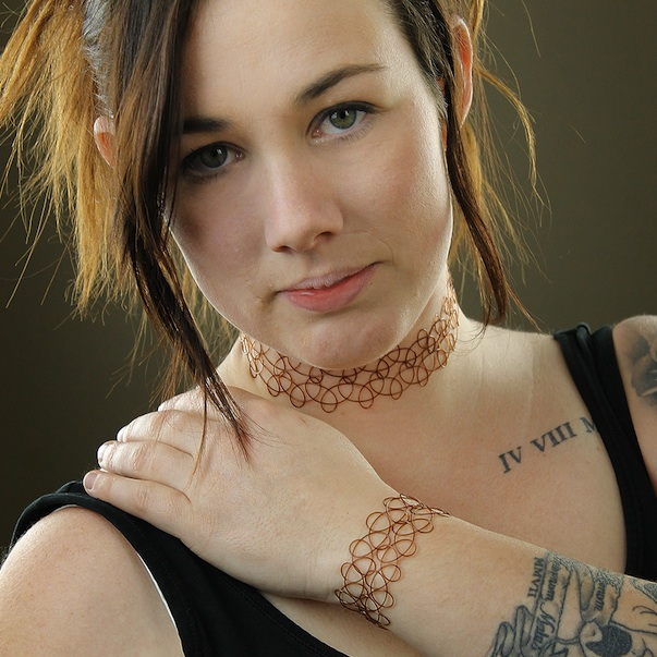 http-::www.ebay.com.au:itm:Magic-Tattoo-Choker-Necklace-Bangle-Set-Stretch-Fit-Bracelet-Wide-Brown-90s-:281126336740
